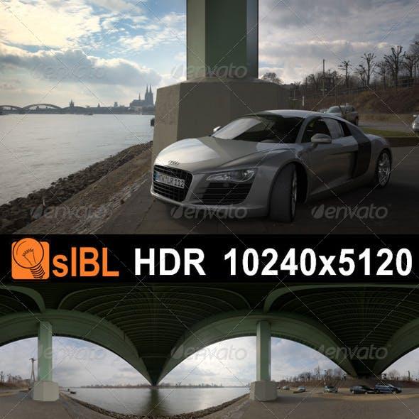 HDR 109 River Columns